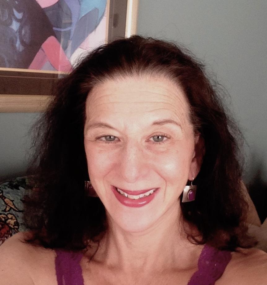 Mindy Littman Holland headshot